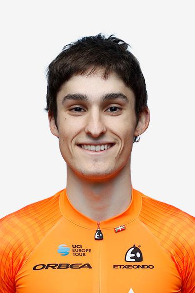 <span>Mikel</span> Alonso Flores